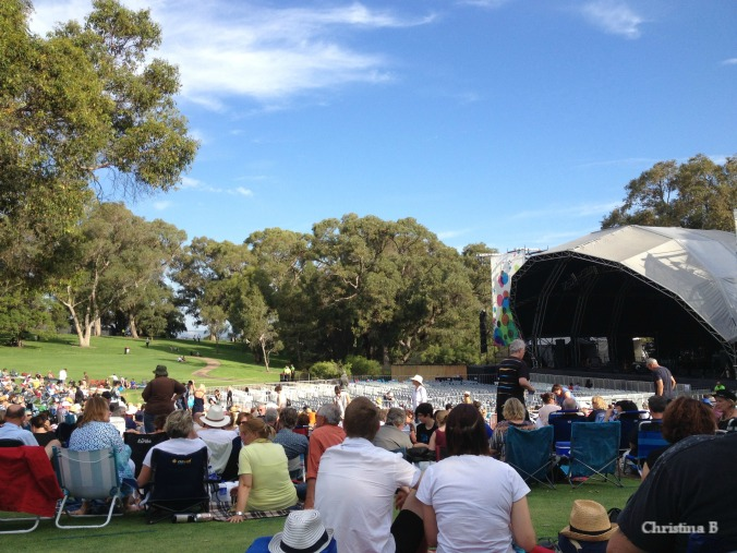 A beautiful afternoon in Kings Park waiting for the Rodriguez concert