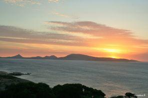 Sonsopkoms oor Cape Le Grande National Park geneem vanaf Woody Island